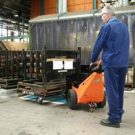 Pedestrian pusher moving 2000kg stillages