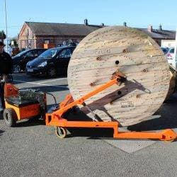 Moving a 3000kg cable drum